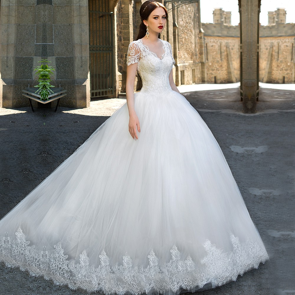 Short Sleeved Wedding Gowns: New Arrival 2016 Elengant Lace Appliques Button Back Short