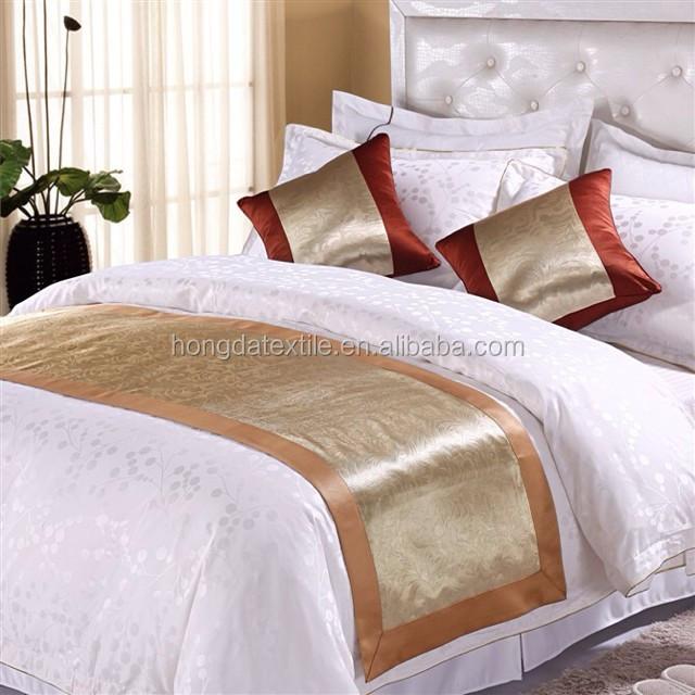 Жаккардовые бегунки для кровати из 100% полиэстера для звездных отелей
