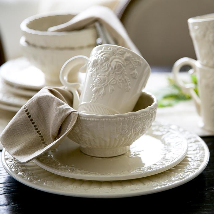 royal vintage fashion emboss rose ceramic porcelain dish cup mug bowl plates sets of 4 china. Black Bedroom Furniture Sets. Home Design Ideas