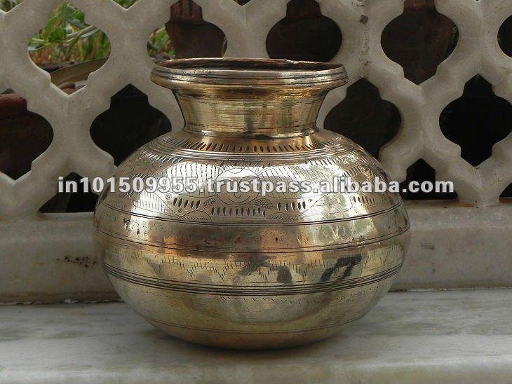 Indian Antique Home Decor Handmade Brass Pot On India Arts Palace Buy Antique Brass Planter Pots Large Brass Pot Interior Decorative Pots Product On Alibaba Com