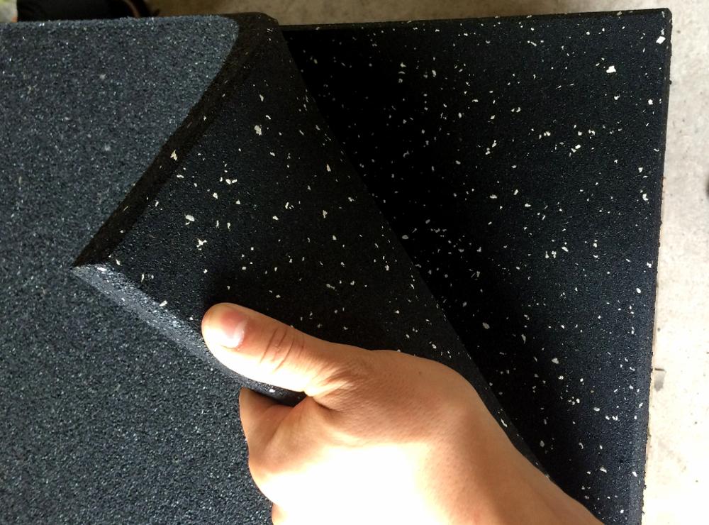 Noise reduction Gym rubber floor tiles 1mx1mx15mm rubber gym floors