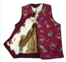 Dámská vesta s květinovým vzorem a vnitřní kožešinou