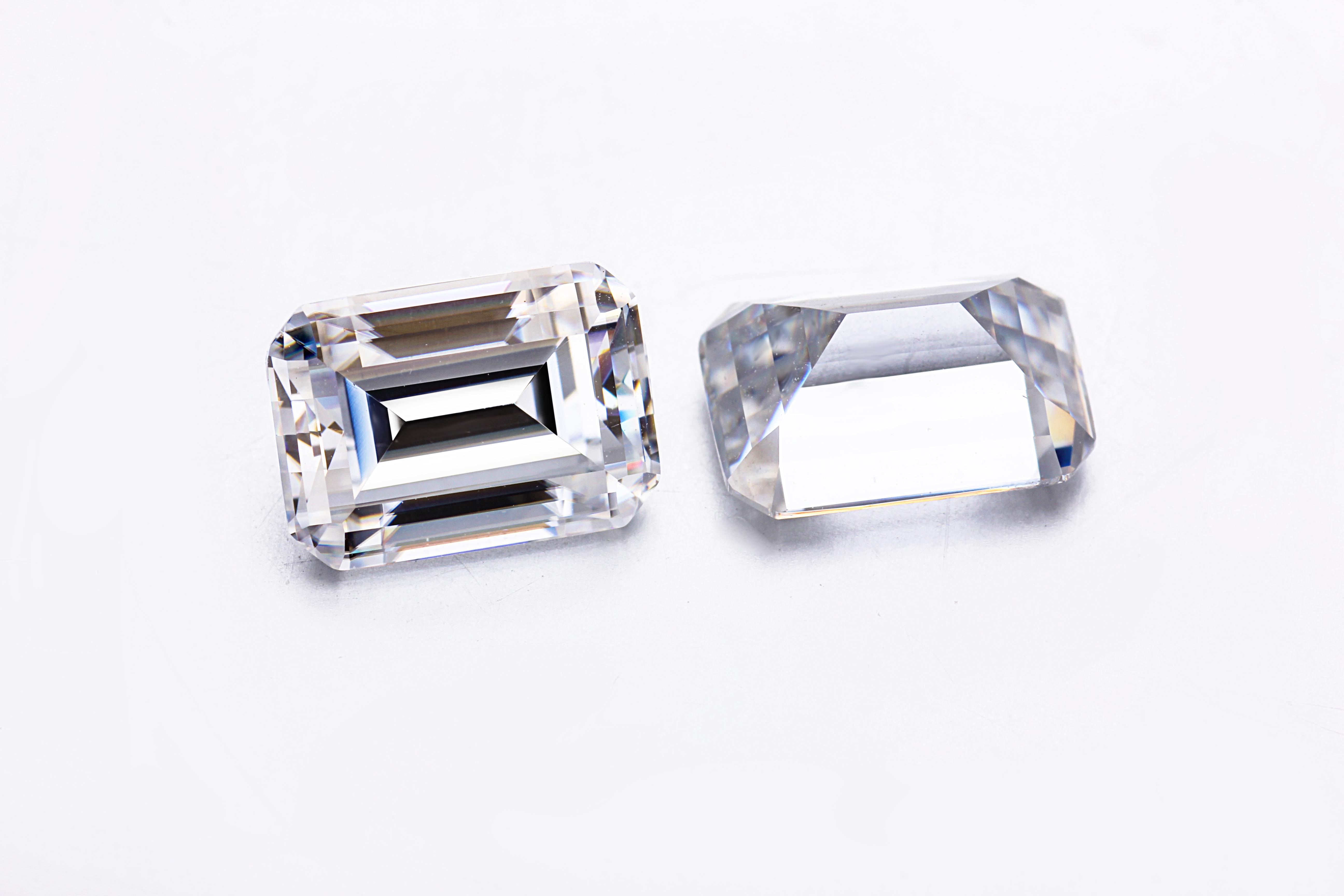 Wholesale EF VVS Synthetic Gemstone Emerald Cut Loose Moissanite Starsgem