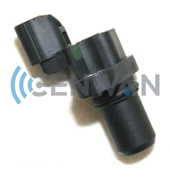Standard Motor Products PC647 Camshaft Sensor