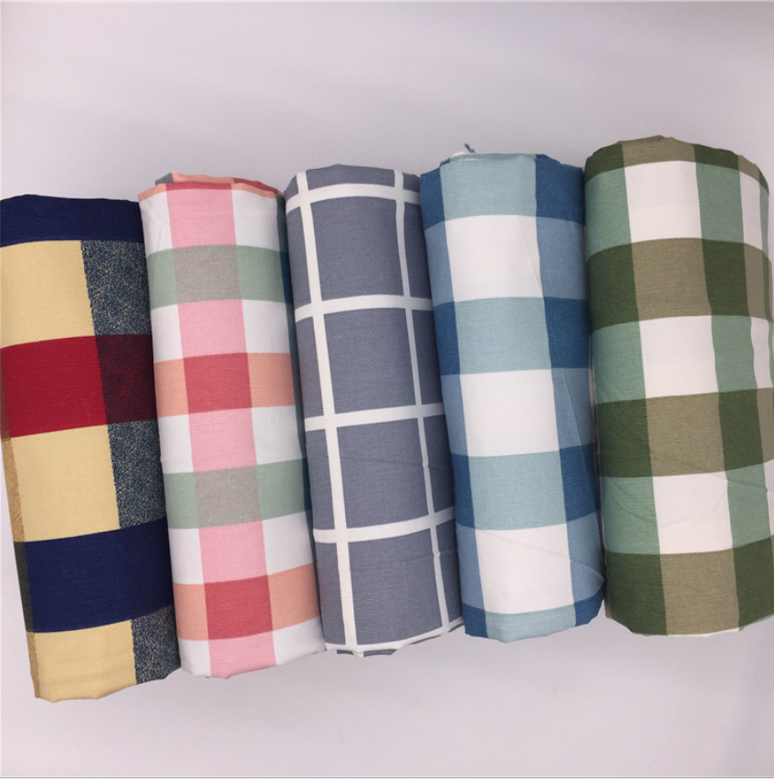 Huzhou 100 polyester taffeta luggage suit inner lining fabric 190T/210T for jackets and Down jacket lining