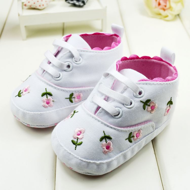Hot Baby First Walkers Cute Shoes Embroidered Lace Baby Infant Shoes Kids Girls Toddler Soft Bottom Shoes