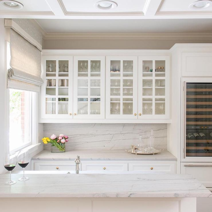Kitchen Cabinets With Glass Knobs