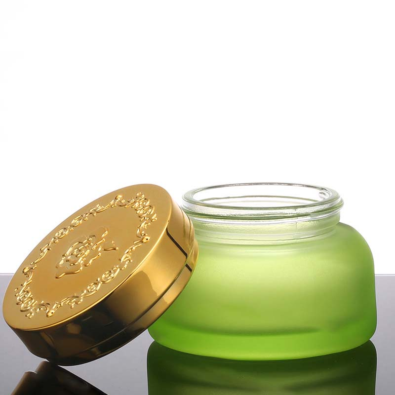 Customized empty cosmetics face cream glass jars with silver gold cap