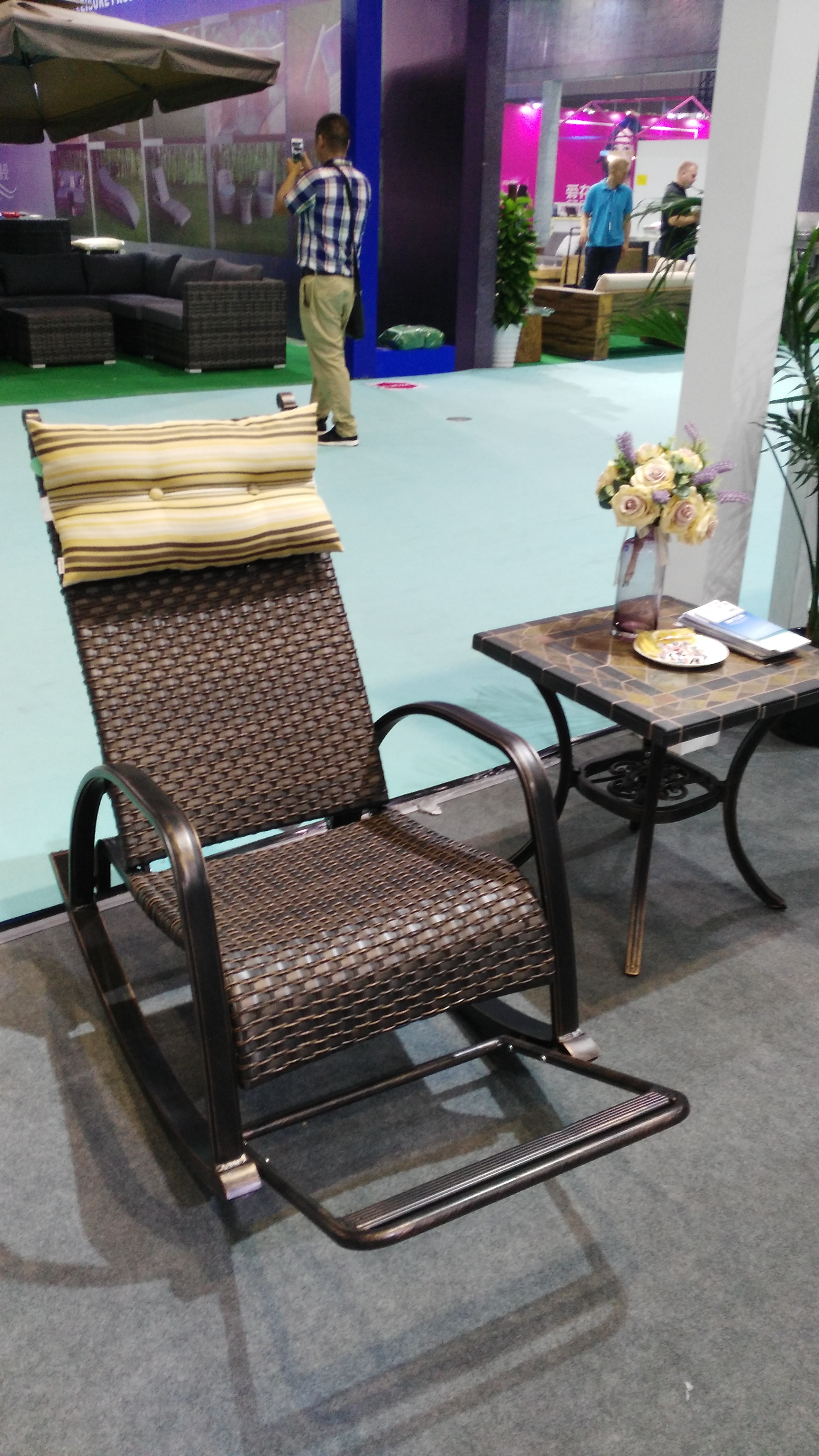 cast aluminum outdoor garden rattan wicker rocking chair for home used