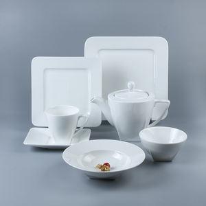 Hot Sale 5pcs Customized Porcelain Dinner Set White Color Square Ceramic Dinnerware