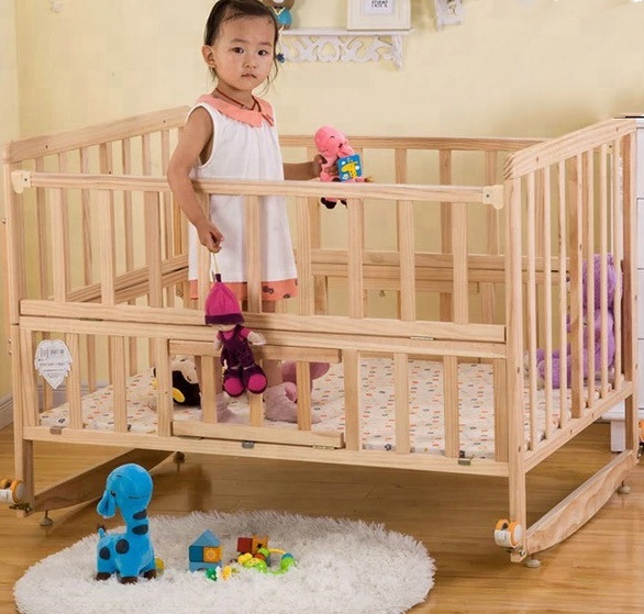 Solid Wooden Portable Baby Crib Baby Bassinet With Wheels