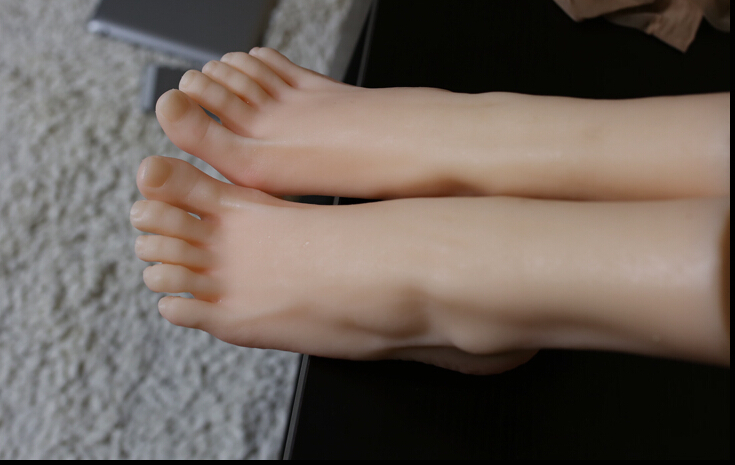 Pointing toes fetish pictures