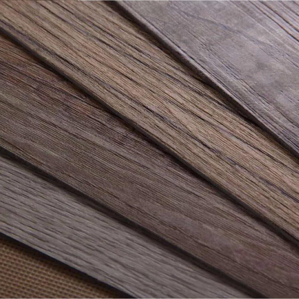 Износостойкая напольная плитка из ПВХ под дерево