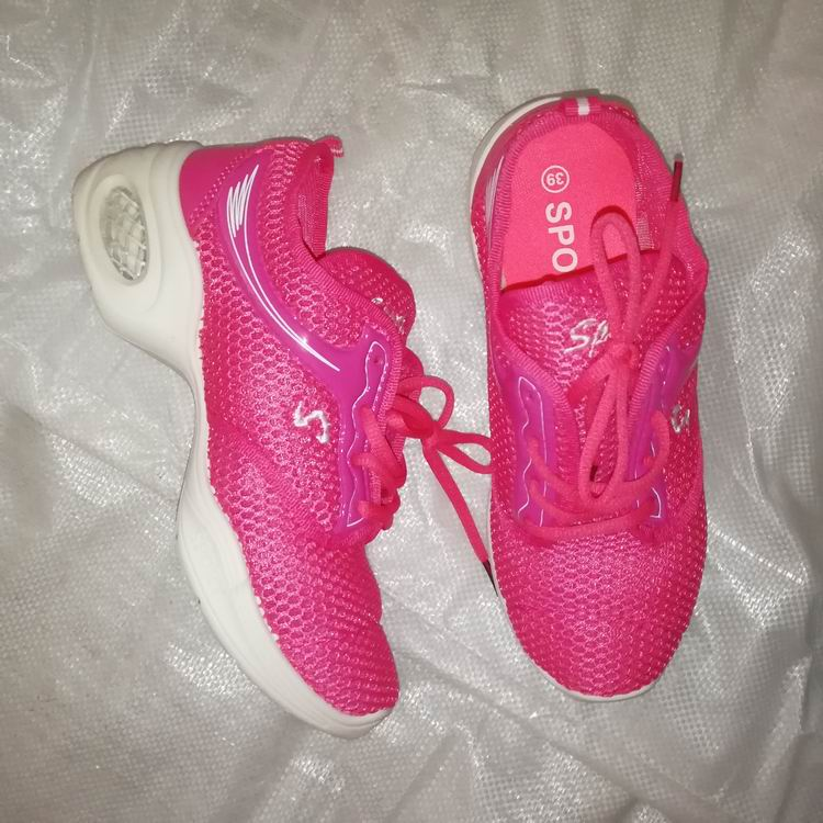 clearance stock lots running women sports shoes