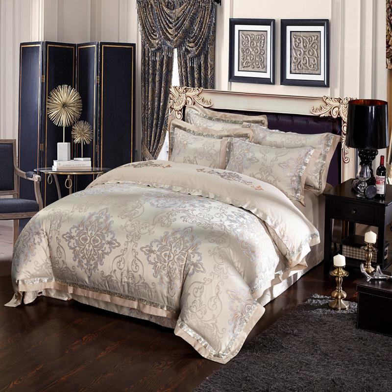 achetez en gros soie satin couvre lits en ligne des grossistes soie satin couvre lits chinois. Black Bedroom Furniture Sets. Home Design Ideas