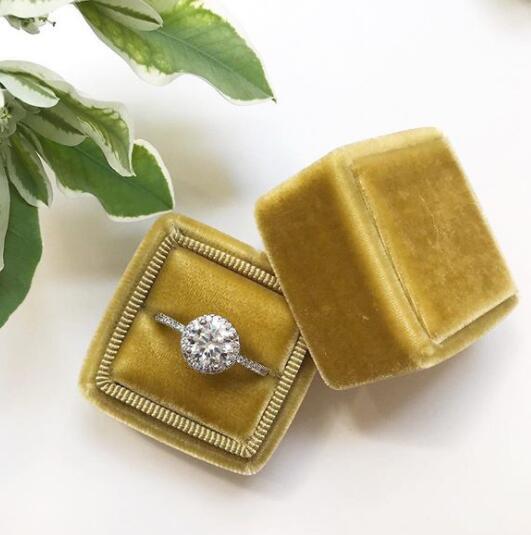 Custom popular style velvet ring handmade paper box with logo