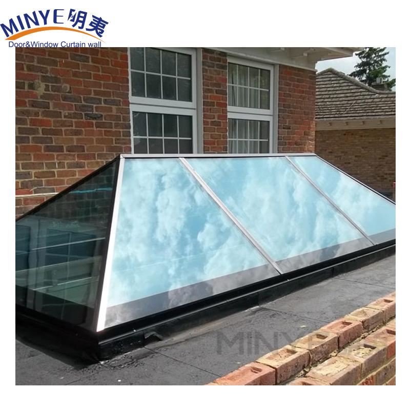 Алюминиевая крыша в форме пирамиды с современным дизайном