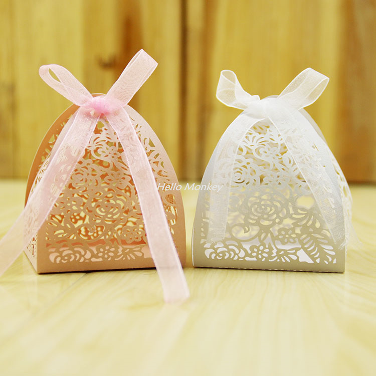 Gifts For Guests Attending Wedding: 50pcs Lace Flower Design Laser Cutting Wedding Candy Box