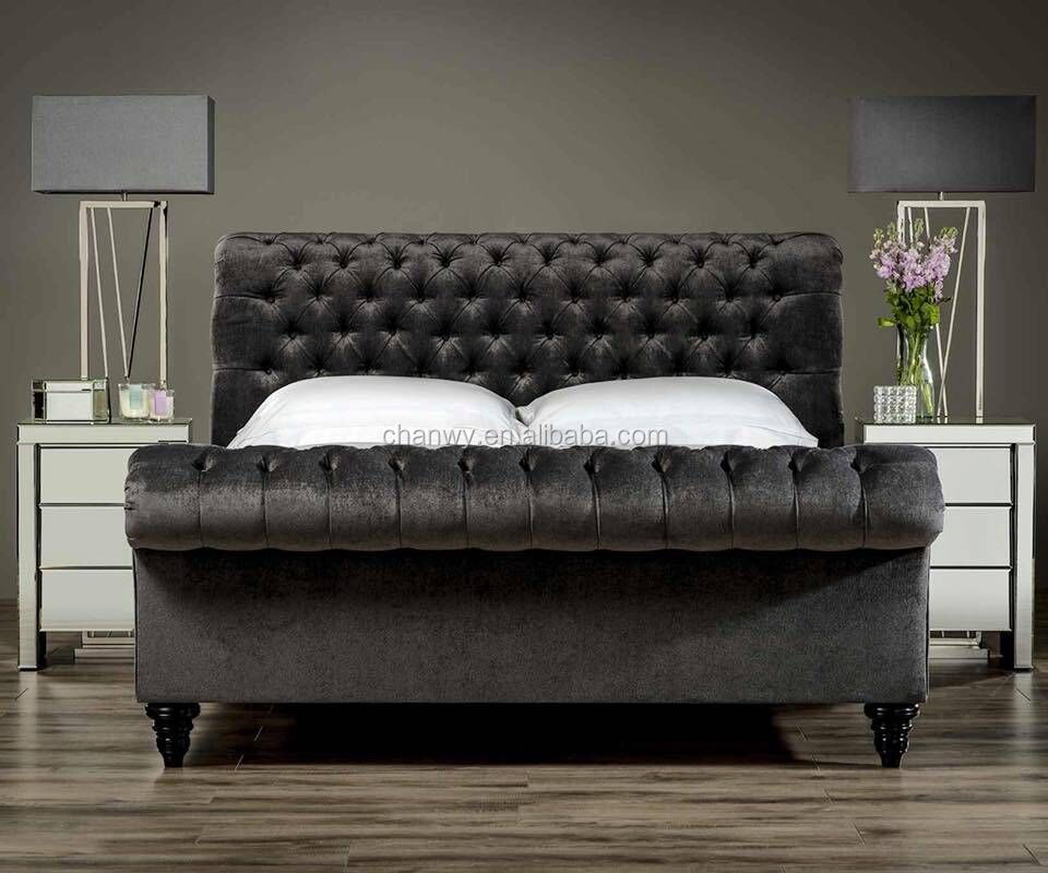 dark brown king szie luxurious chesterfield bed with many plenty of buttons