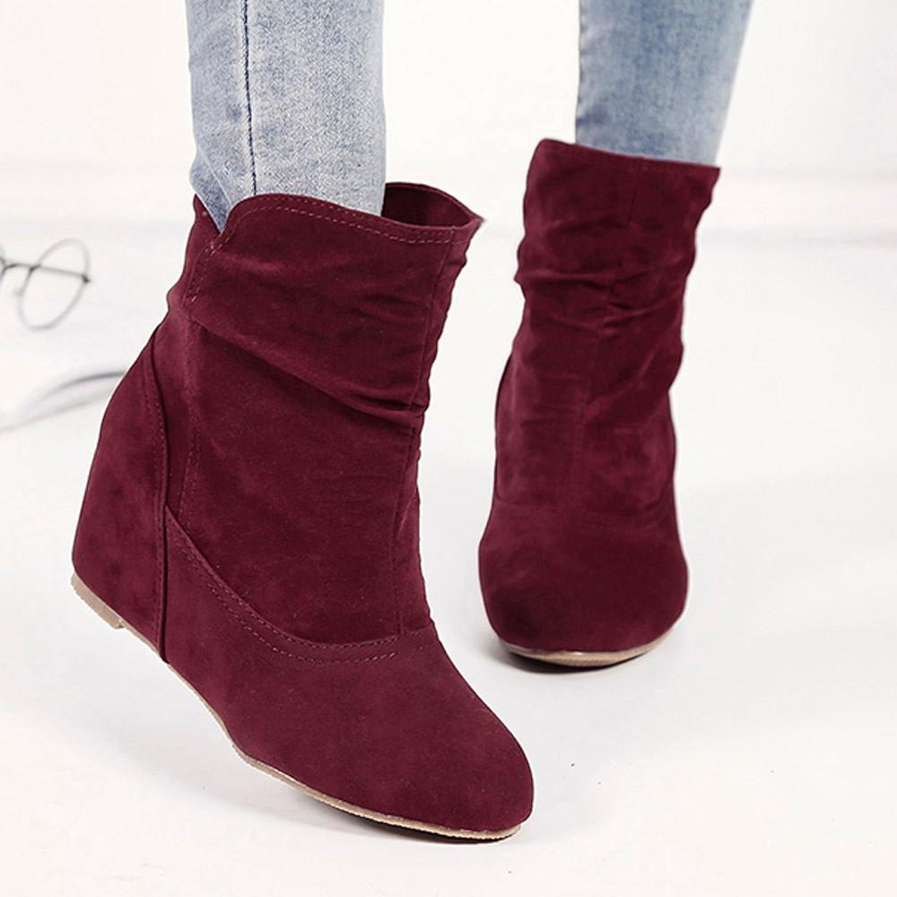 Красные ботинки негр