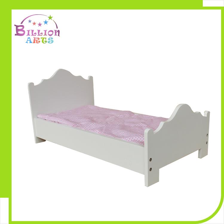 Дял 18-дюймовой куклы мебель белого цвета колесика деревянная кровать подходит 18
