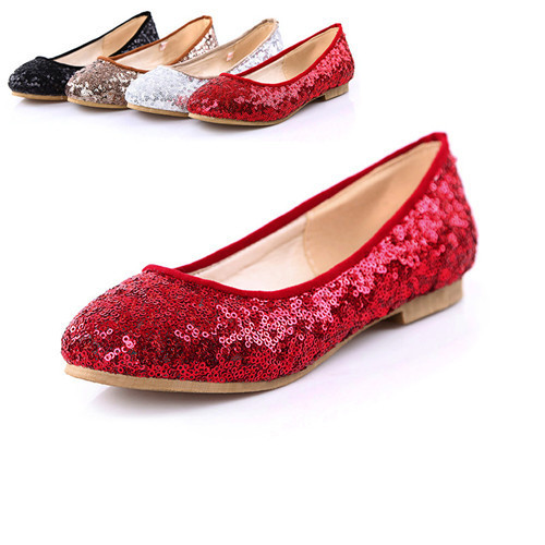 Discover women's red glitter shoes that range from strappy high heels for a night out on the town to sparkly slip-ons that pair perfectly with less formal ensembles. You can find red suede shoes with sparkling accents on the heels or platform pumps covered completely in red shimmer.