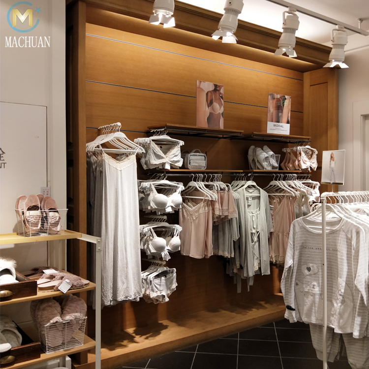 Магазин с женской одеждой и нижним бельем спортивные бутылки для воды с нанесением