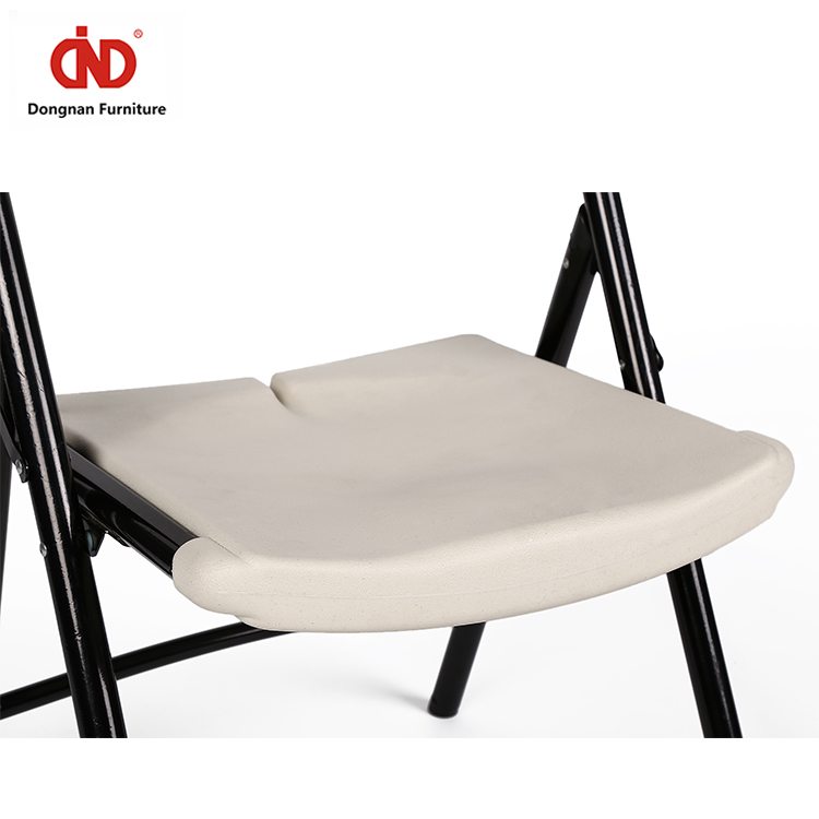 Event White Folding Plastic Plastic Chair Free Sample Wholesale Commercial Stackable Wedding Party Fishing Chair Beach Chair