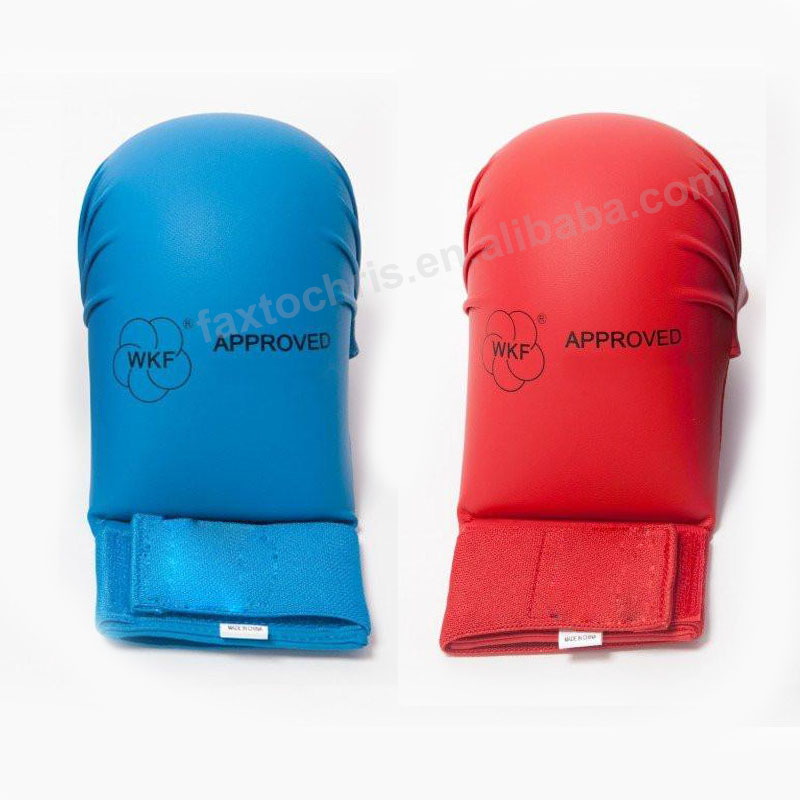 Wkf утвержден перчатки для занятия каратэ