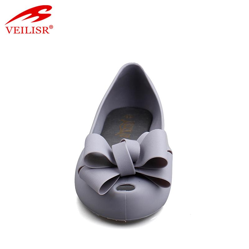 Женские сандалии из пвх на плоской подошве