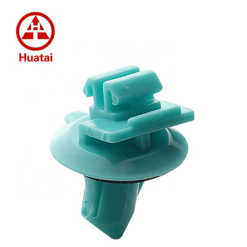 POM Green Wheel Flare Moulding Clip With Sealer