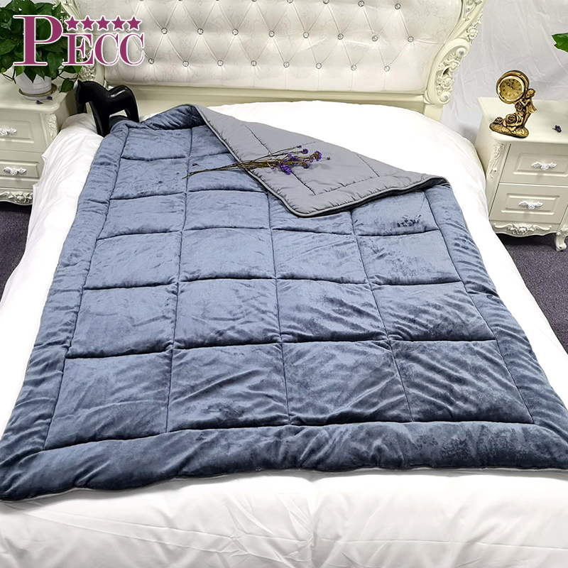 Wholesale China Microfiber Quilts And Comforters Flannel Quilt