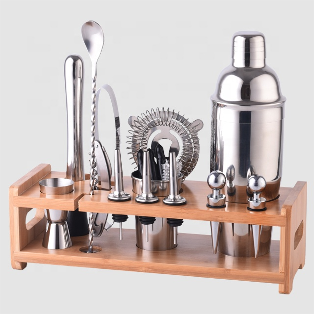 Factory Direct custom 2020 new 700ml metal 304 stainless steel barware shaker set with wood stand