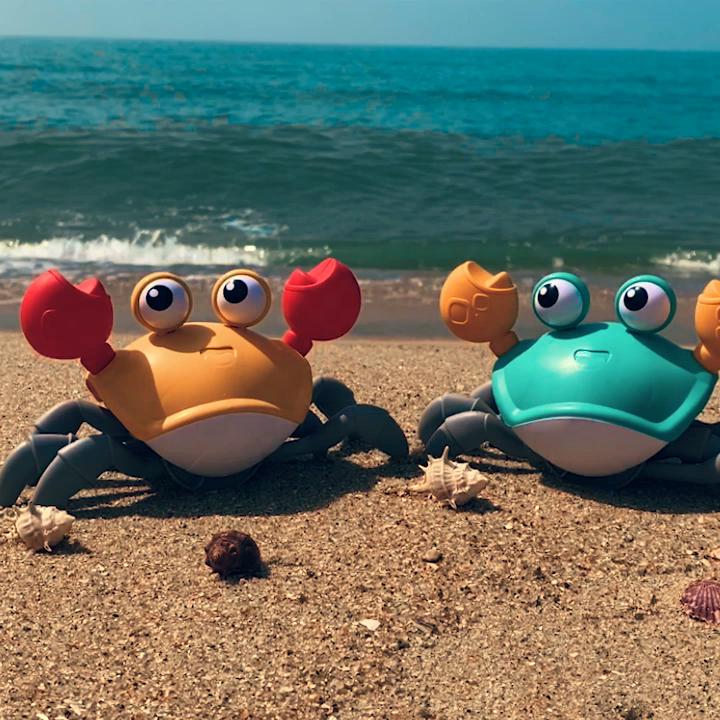 2020 Konig Kids Summer Popular Plastic Crawling Crab Toys Baby Bathtub Beach Windup Bath Toy