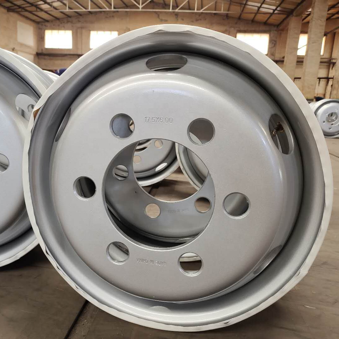 Chinese Factory Quality With Low Price Assurance 17.5*6.00 Tubeless Steel Wheels