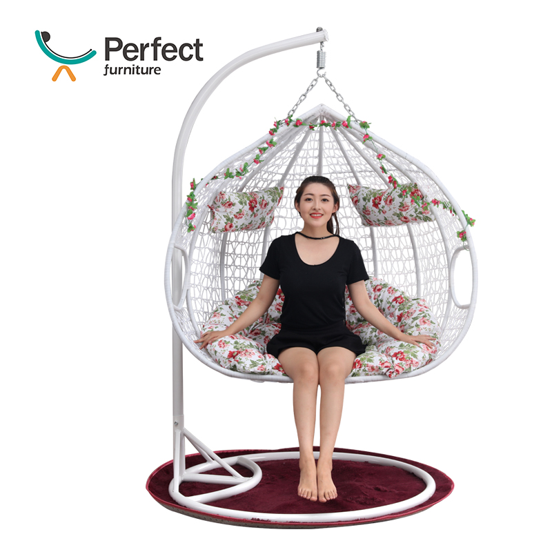 Luxury Outdoor Hanging Double Person Egg Shaped Wicker Swing Chair With Metal Frame For Kids/Adults/Baby