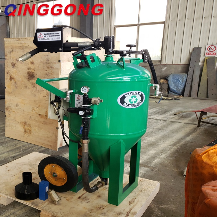 portable sand/water/soad blasting machine