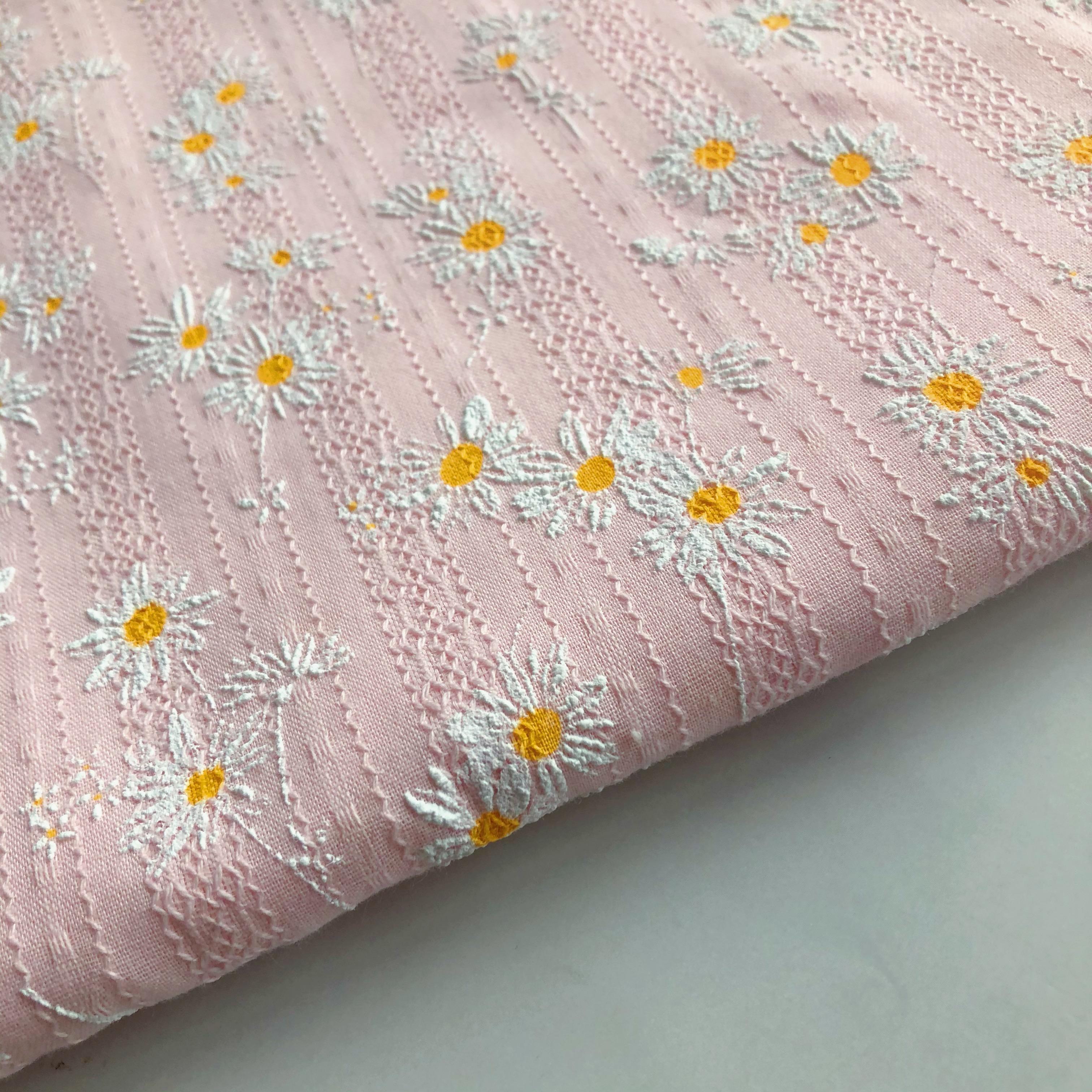 Latest design super soft flower pattern 100% cotton bubble print fabric for dress