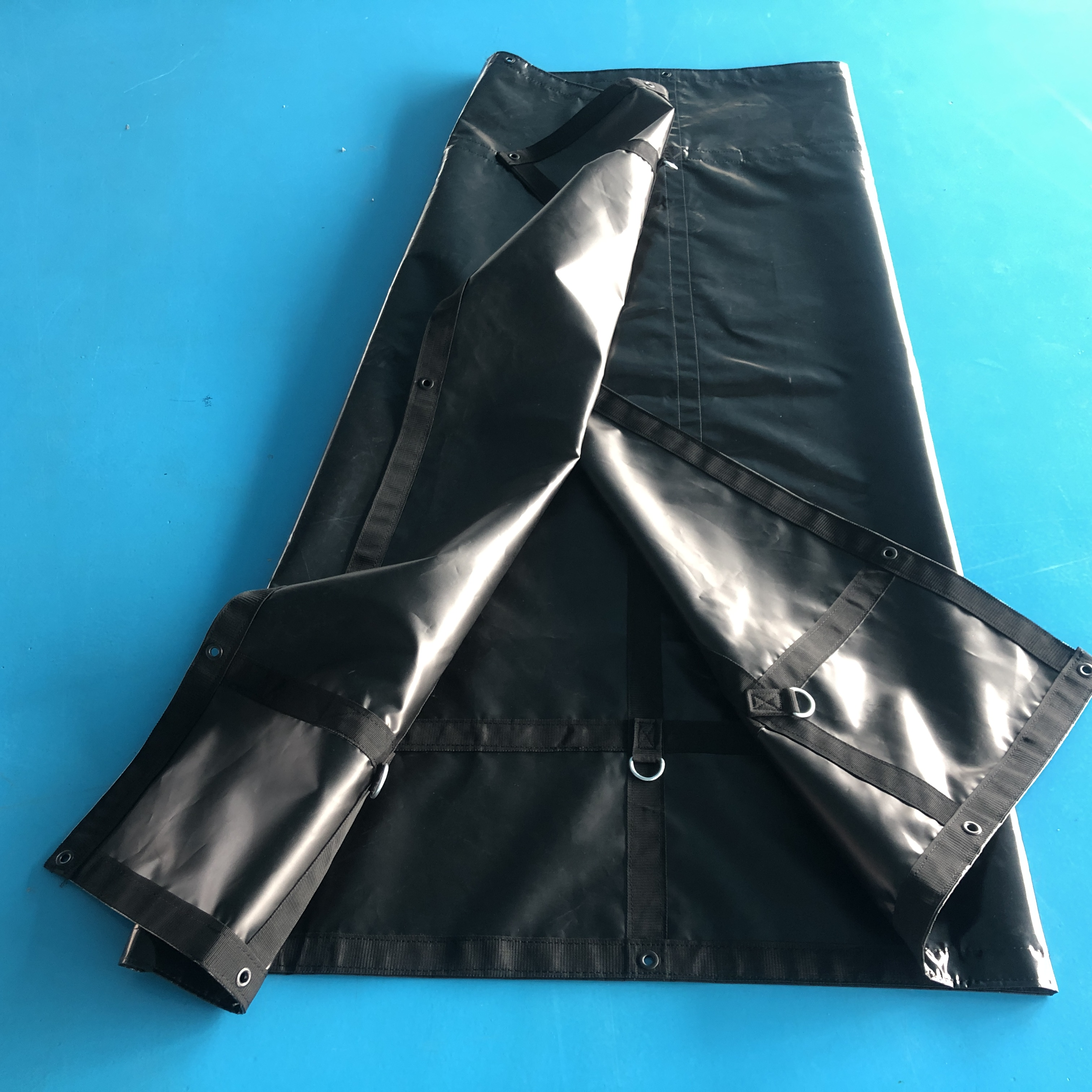 Черный брезентовый лист 610 г/м2, ПВХ брезент с алюминиевыми Люверсами