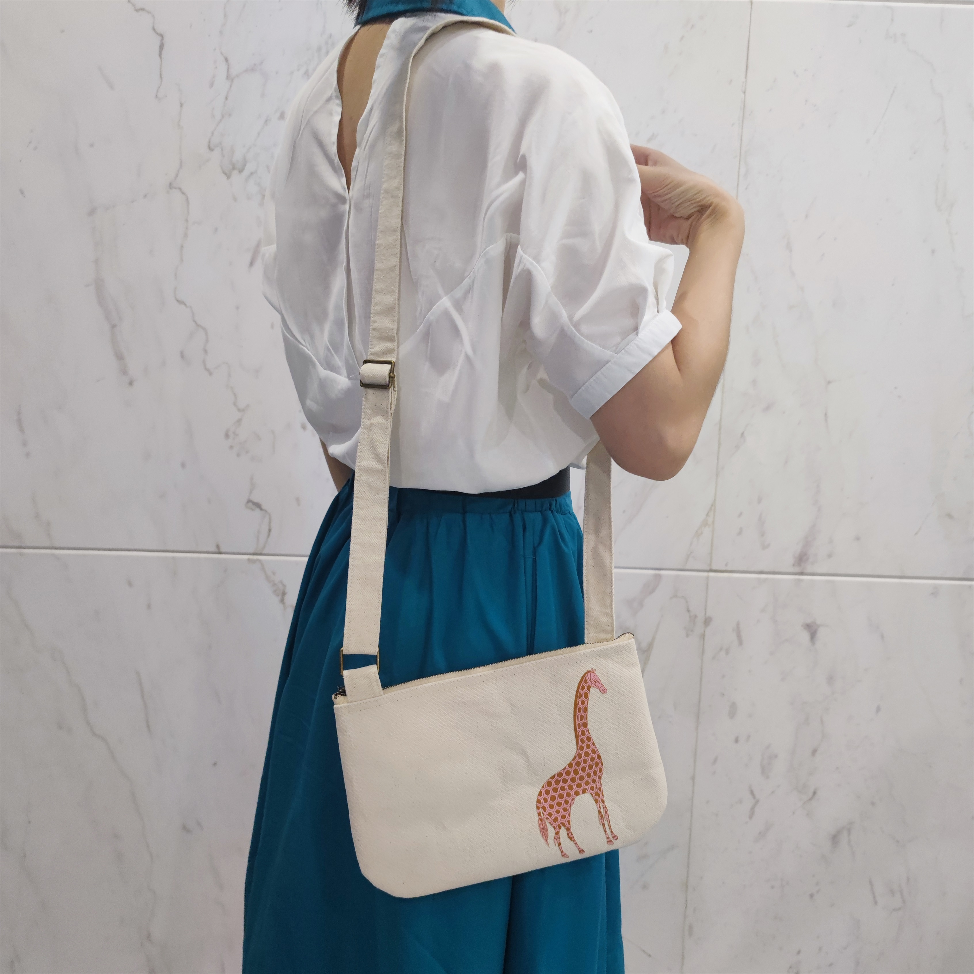 2021 новый дизайн, рекламная многоразовая хлопчатобумажная холщовая сумка-мессенджер через плечо, сумка-тоут для женщин и девочек