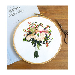 Xiurun 2021 Hot Sale  New Arrival DIY  Stamped Embroidery Starter Kit with Flowers Plants Pattern Embroidery Cloth Color Thr