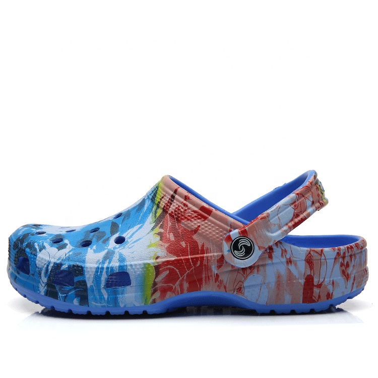 New arrival cheap low MOQ waterproof personalized customized summer camo cool flat anti-skid mens clogs beach shoes