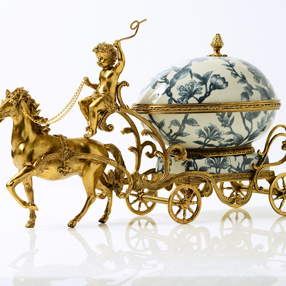 2021 popular fashion antique designs horse-drawn carriage candy bowl accessories home hotel office decor