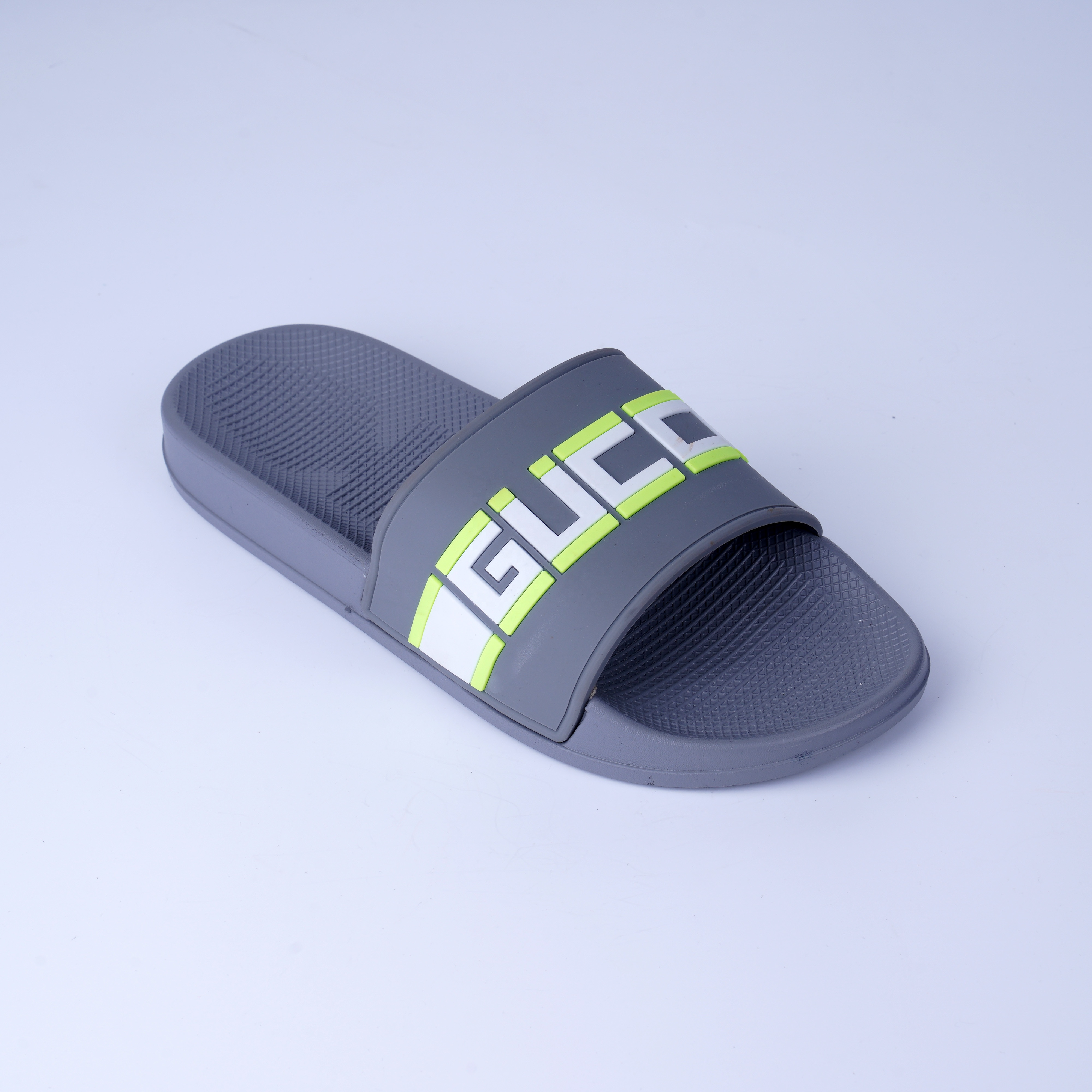 Fashion and personality Letter design beach slippers for men Hot sale non-slip soft causal unisex slippers