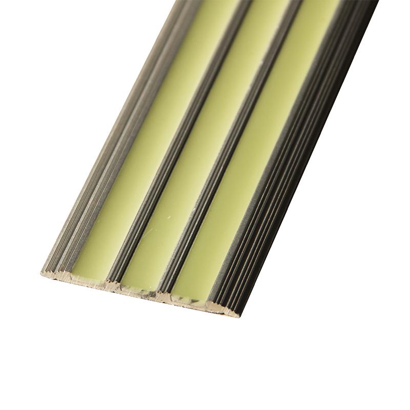 Фотолюминисцентная алюминиевая лестница