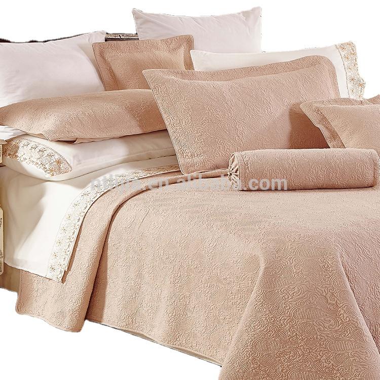 KOSMOS- 100 полиэфирное матовое сатиновое покрывало с тиснением оптом (одеяло с эффектом потертости)