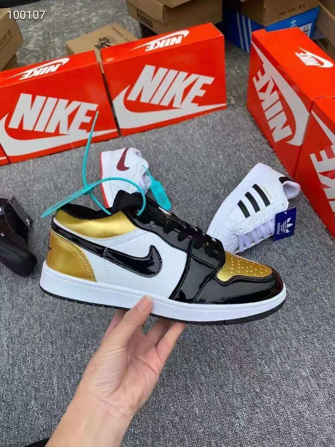 2021 new hot-selling children's shoes sneaker High quality  comfortable and durable Wholesale stock shoes