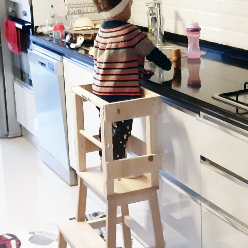 Kids Kitchen Step Stool With Safety Rail For Child Toddler Montessori Guidecraft Learning Tower Kitchen Helper Tower Furniture Buy Torre De Aprendizaje Descapotable Torre De Aprendizaje Wood Daycare Furntiure Wholesale School