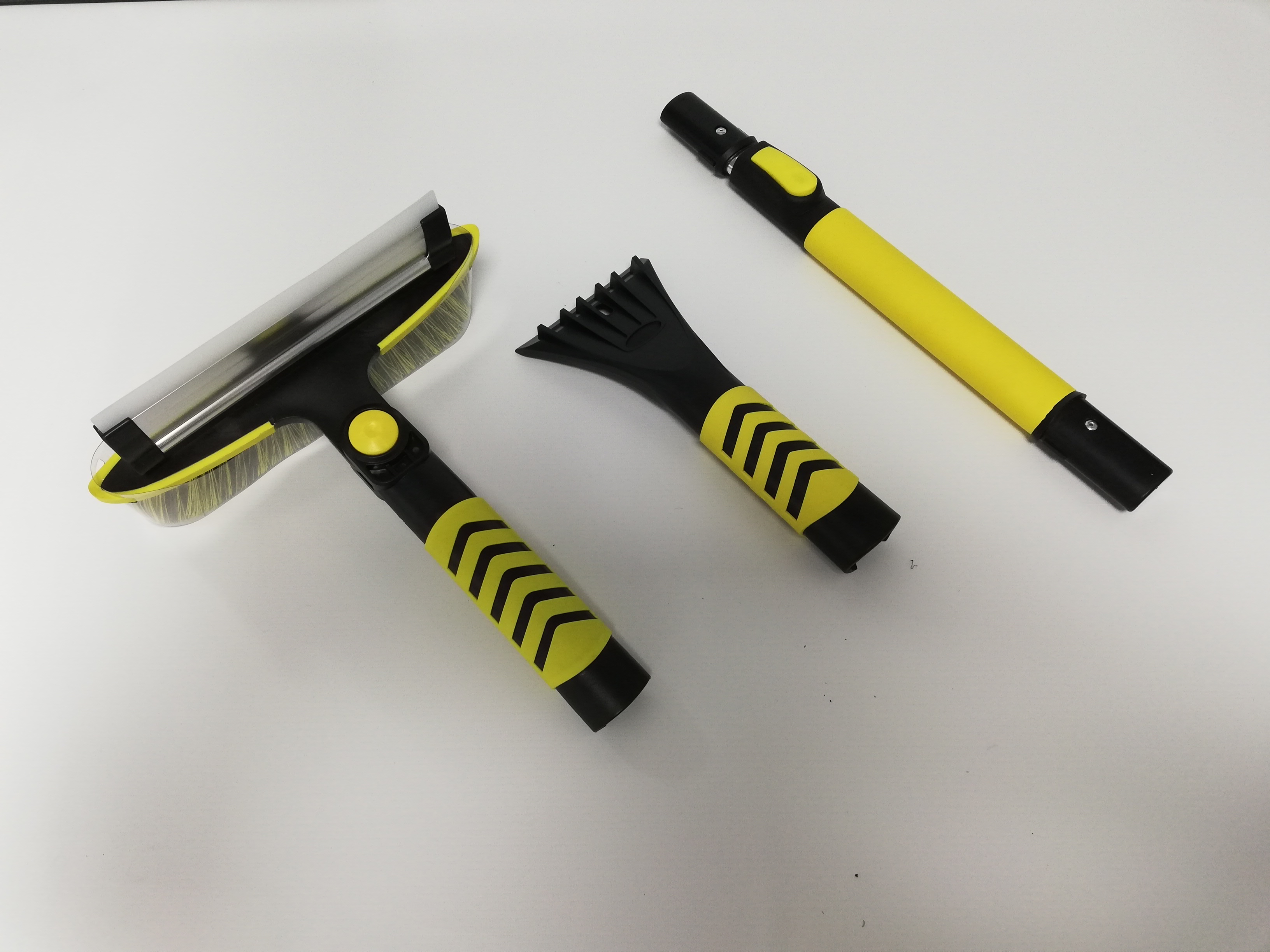Extendable handle with silicone squeegee telescopic snow brush for car