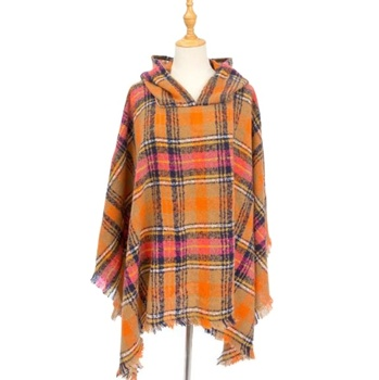 Foreign Trade Hot Money Spring Autumn And Winter Christmas Green Shawl Circle Yarn Bristle Plaid Hooded Cloak